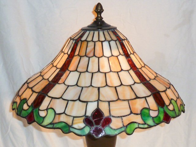 CHICAGO MOSAIC LEADED GLASS TABLE LAMP - 4