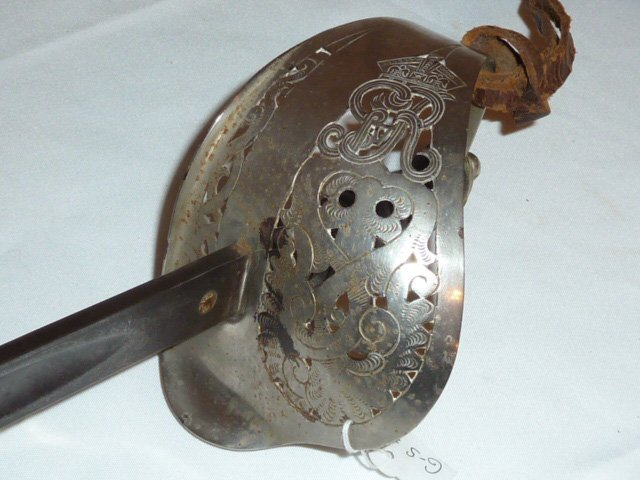 19TH C. ENGLISH CAVALRY SWORD & SCABBARD G.BOYTON