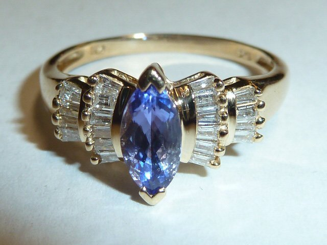 14KT GOLD RING WITH TANZANITE AND DIAMONDS