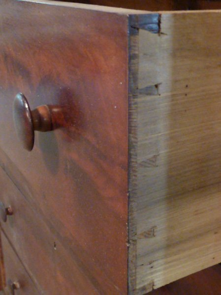 1830'S FLAME MAHOGANY GENTS CHEST BRACKET BASE - 3