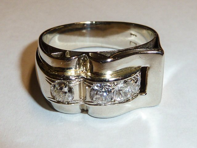 14KT WHITE GOLD RING WITH 4 DIAMONDS UNISEX