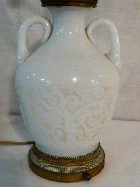 EARLY CHINESE EMBOSSED GLASS ACCENT LAMP - 2