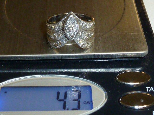 14KT GOLD RING 50 SMALL DIAMONDS & CENTER STONE - 4