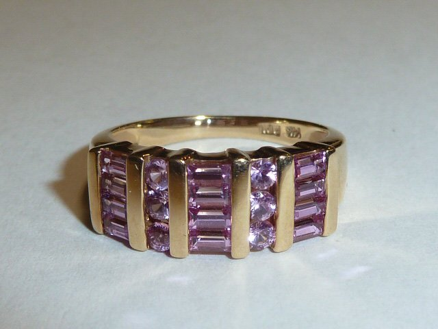14KT GOLD WOMAN'S RING W/ PINK SAPPHIRES