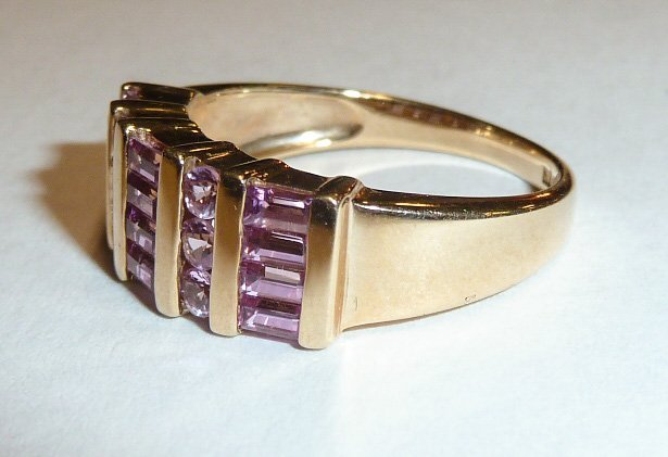 14KT GOLD WOMAN'S RING W/ PINK SAPPHIRES - 2