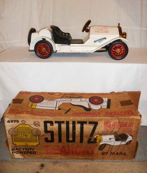 MARX BATTERY POWERED STUTZ BEARCAT CONVERTIBLE - 2