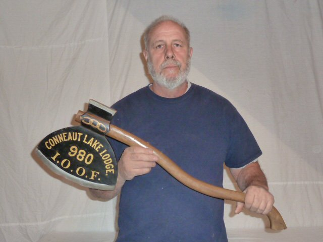 CIRCA 1930 WOOD ODD FELOWS BROAD AXE TRADE SIGN - 5