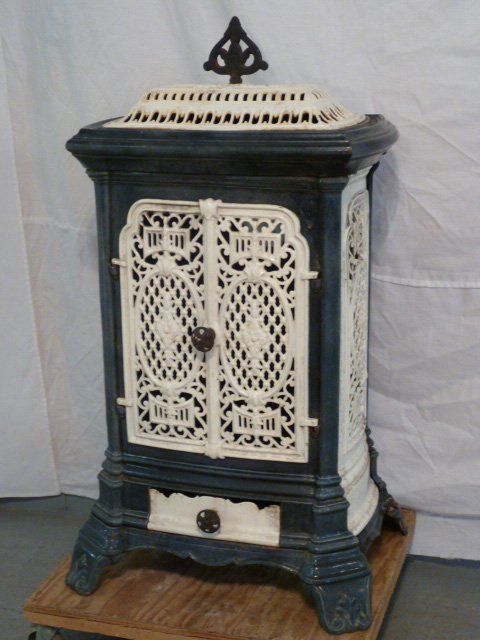 C1900 ORNATE PORCELAIN OVER CAST IRON WOOD STOVE - 2