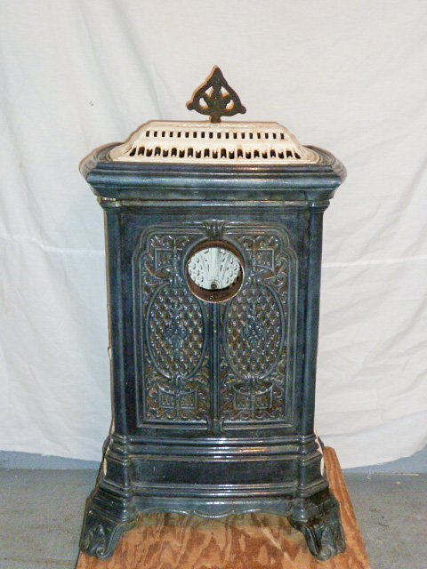 C1900 ORNATE PORCELAIN OVER CAST IRON WOOD STOVE - 6