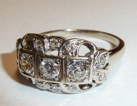 14KT ANTIQUE DIAMOND RING W/ 3 DIAMONDS IN CENTER - 2