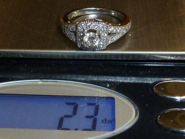 14KT DIAMOND RING 1/4 CT RAISED CENTER STONE - 5