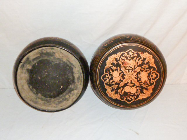 JAPANESE LACQUERED LIDDED BOX - 3