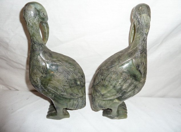 PAIR OF CARVED CHINESE SPINACH JADE PERCHED BIRDS - 3