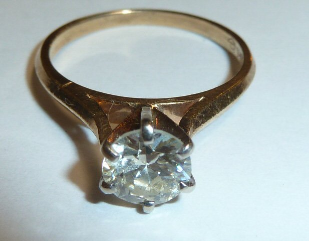 ONE CARAT DIAMOND SOLITARE 14KT YELLOW GOLD RING