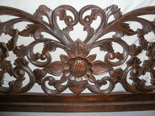 VICTORIAN HEAVILY CARVED PEDIMANT - SUN FLOWER