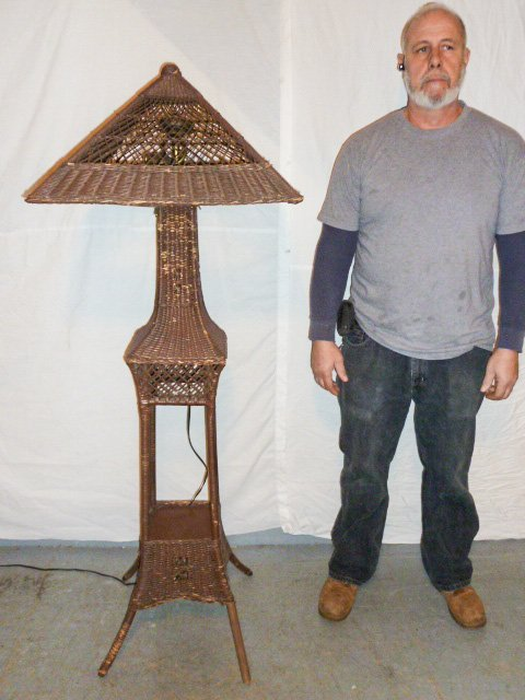 VINTAGE WICKER FLOOR LAMP ORIGINAL SHADE - 6