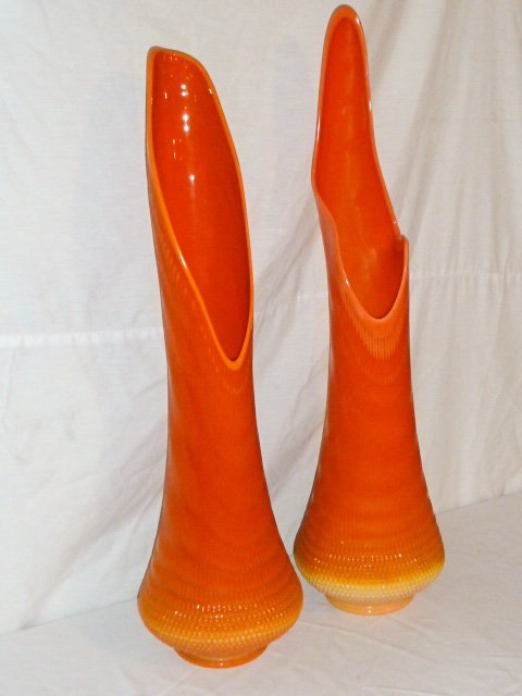 PR OF MID-CENTURY TWO COLOR ART GLASS VASES - 3