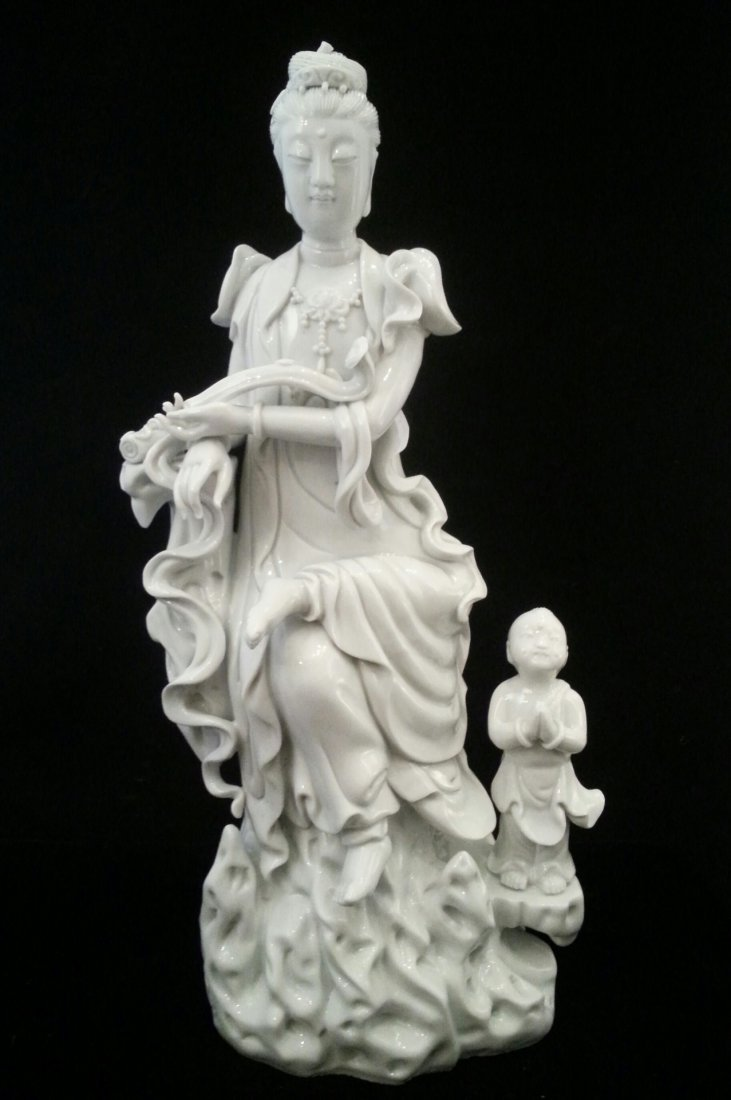 Chinese porcelain statue