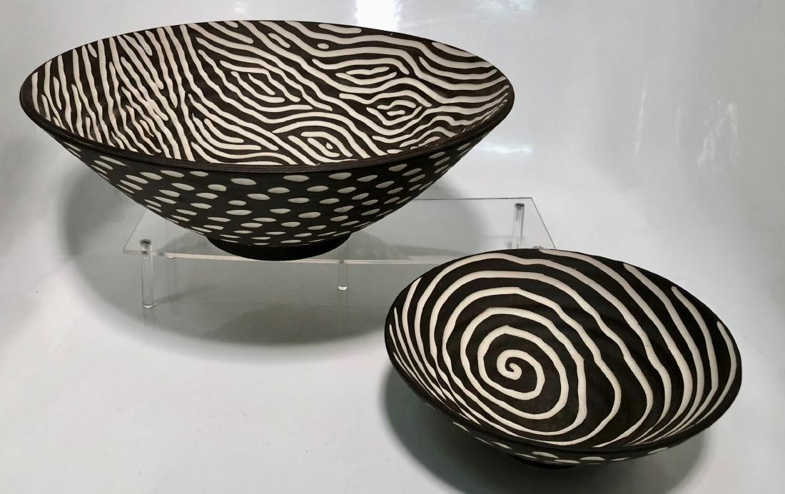 Halvorsen Stoneware Footed Bowls W/ Sgraffito (2) - 2