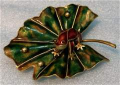 18k Enamel Brooch with Frog on Lilly Pad