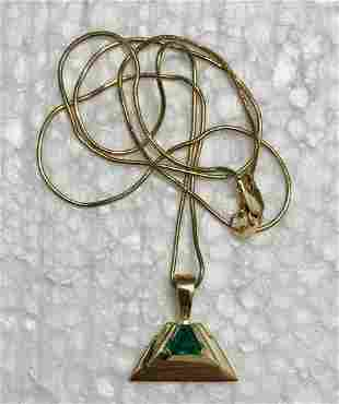 14k Yellow Gold Emerald Pendant Necklace