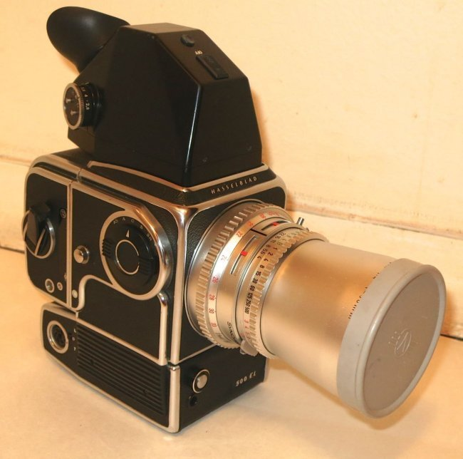 Hasselblad 500 EL Camera Outfit With Custom Case