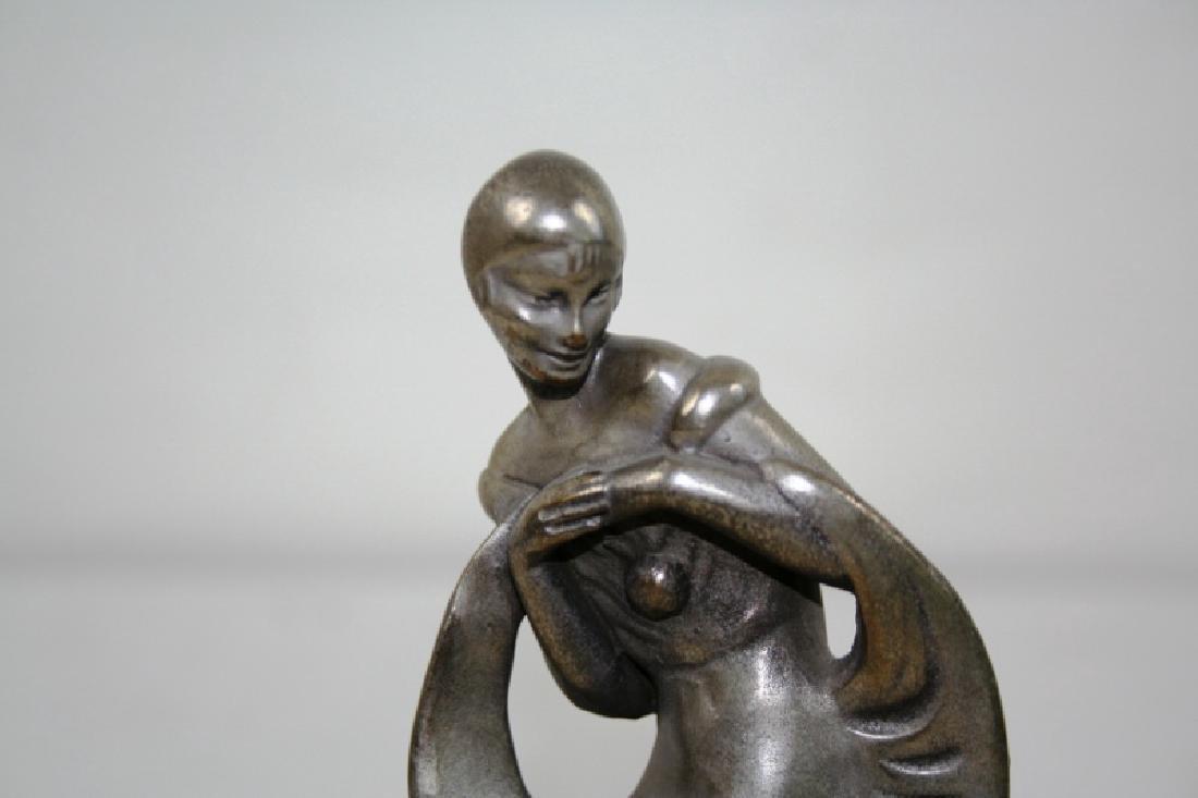 Art Deco Figurine of a Female Harlequin - 3