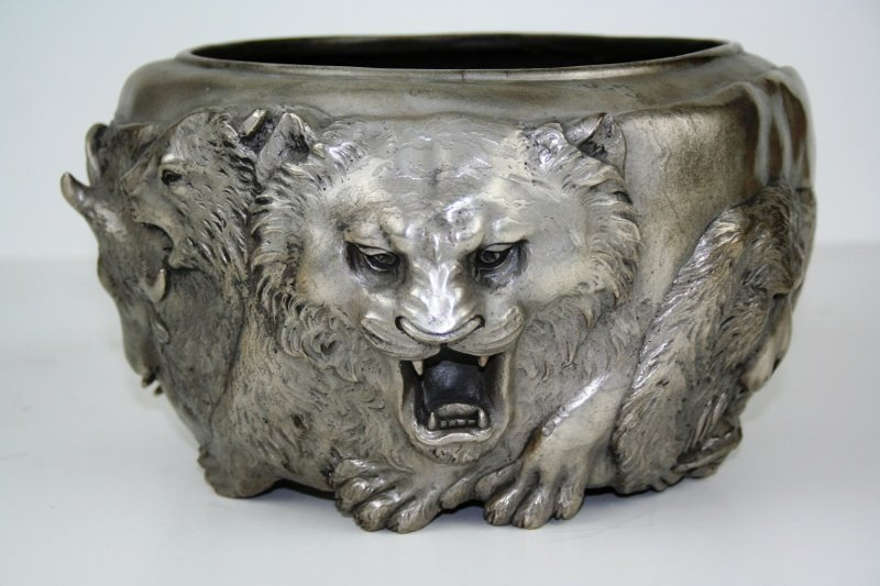 Classic Japanese Bronze Animal Bowl in Antique Silver - 2