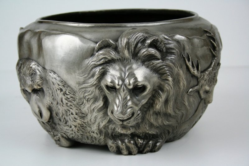 Classic Japanese Bronze Animal Bowl in Antique Silver - 3