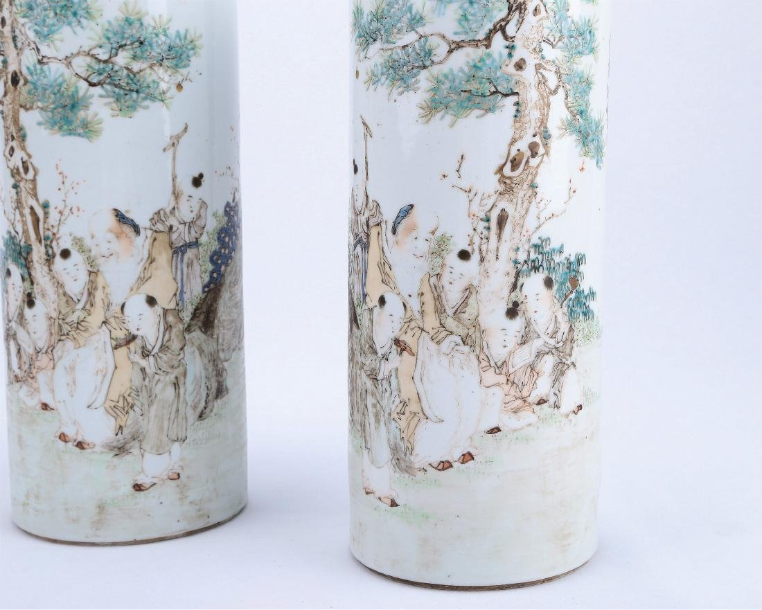 A Pair of Chinese Qianjiang Porcelain Hat Stands - 2