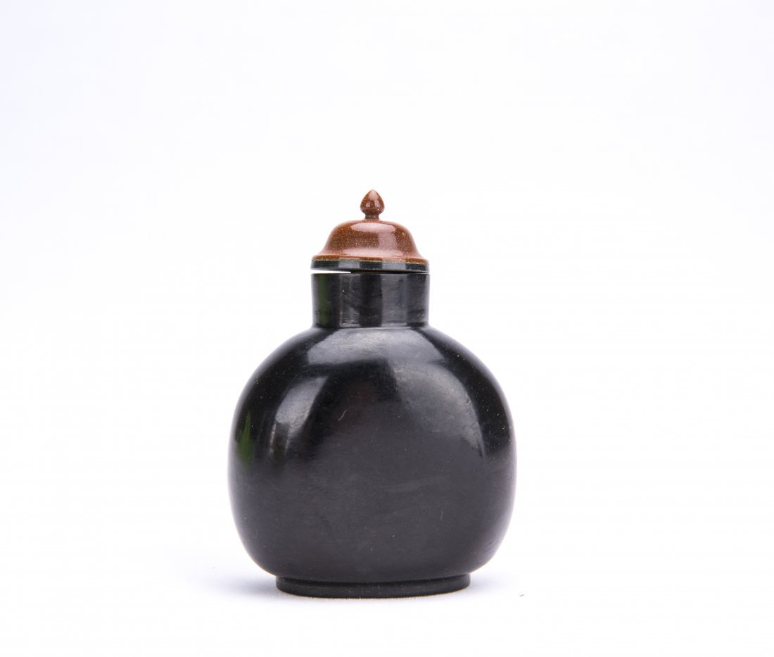 A CARBON CRYSTAL SNUFF BOTTLE