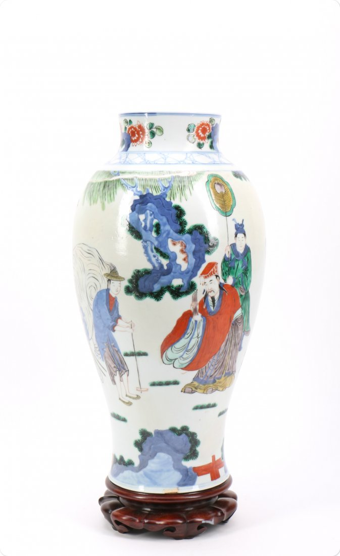 Chinese Wucai Porcelain Vase with Figural Scene