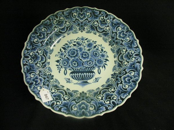 847: BLUE AND WHITE DELFT CHARGER
