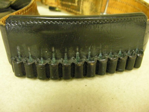 1390: VINTAGE DON HUME BELT AND HOLSTER - 4