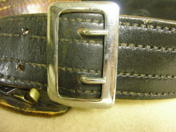 1390: VINTAGE DON HUME BELT AND HOLSTER - 6