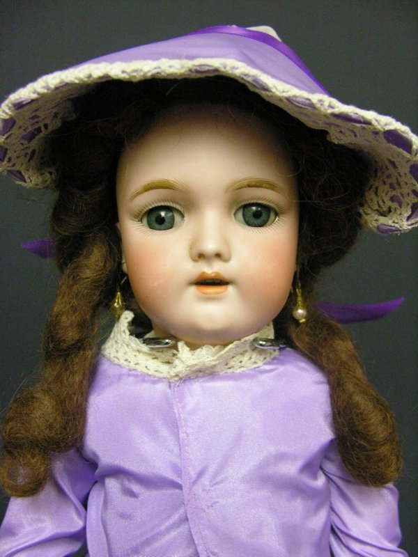 501: HANDWERK GERMAN BISQUE 109-7 1/2 18'' DOLL