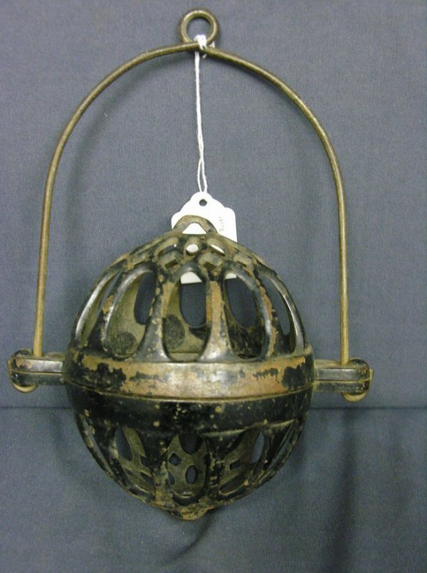 1021: CAST IRON COUNTRY STORE STRING HOLDER