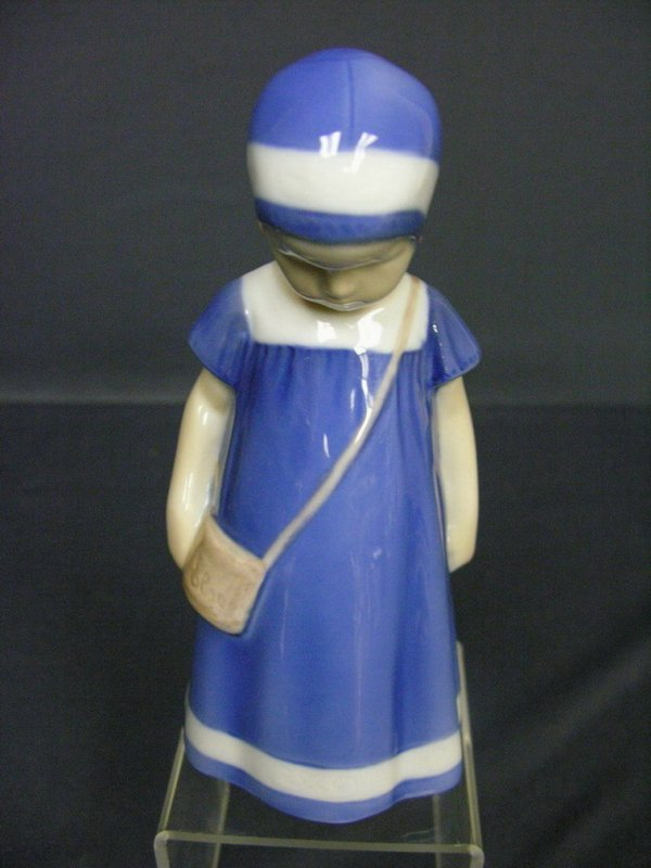3006: BING AND GRONDAL PORCELAIN FIGURINE