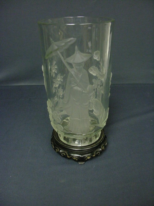 3019: SIGNED VERLYS ORIENTAL GLASS VASE
