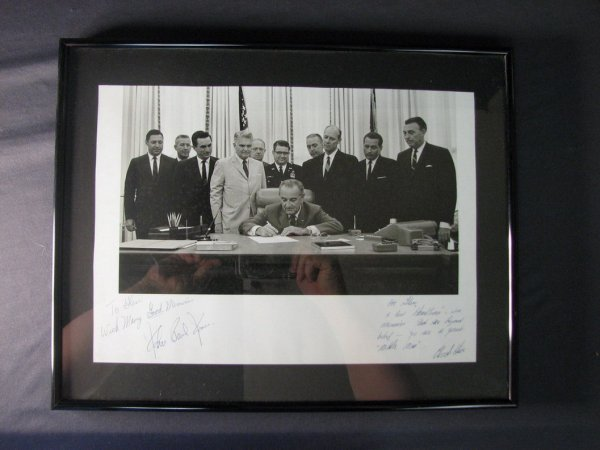 4119: PRES. LYNDON JOHNSON PHOTO WITH AUTOGRAPHS