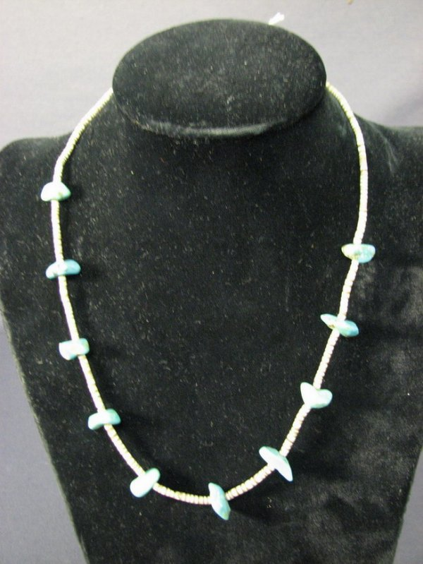 4523: NATIVE AMERICAN TURQUOISE NECKLACE