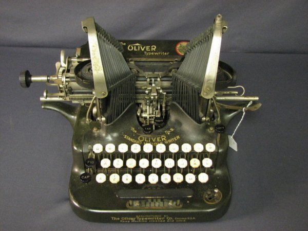 4570: VINTAGE OLIVER TYPEWRITER NO. 5