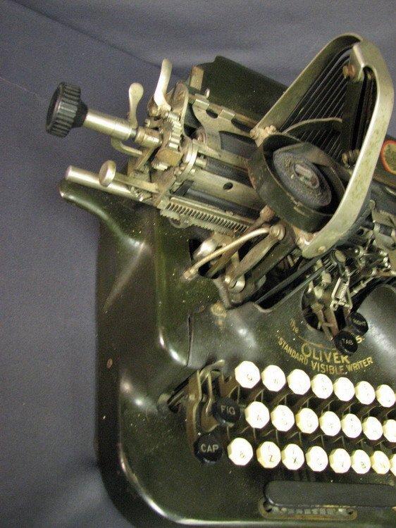 4570: VINTAGE OLIVER TYPEWRITER NO. 5 - 5
