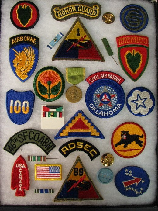 5018: MILITARY PATCHES AND INSIGNIAS
