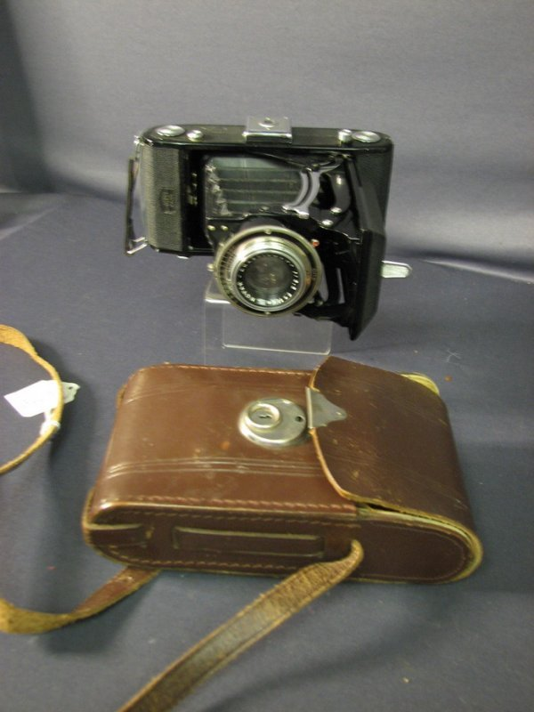 5019: WWI ZEISS IKON CAMERA AND CASE