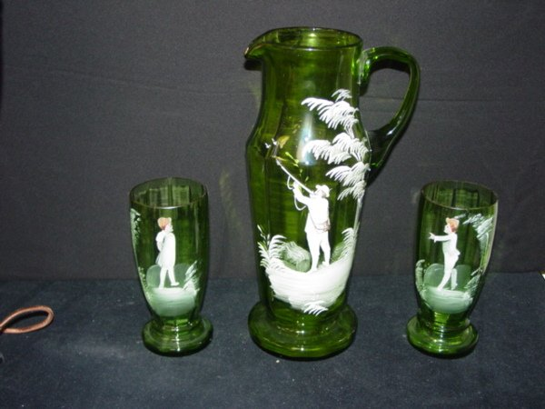 15: MARY GREGORY PITCHER & 2 GLASSES