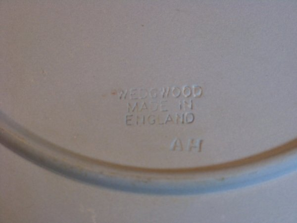 428: PAIR BLUE WEDGWOOD JASPERWARE PLATES - 5