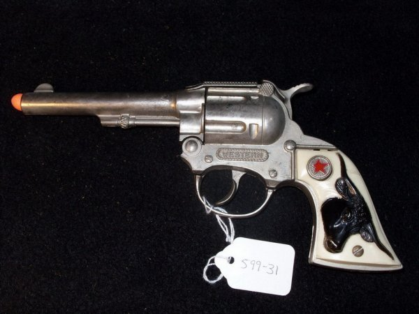 436: 1950'S HUBLEY ''WESTERN'' COWBOY CAP GUN