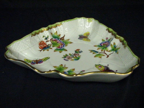 642: HEREND QUEEN VICTORIA BUTTERFLY BOWL