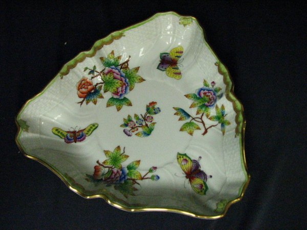 642: HEREND QUEEN VICTORIA BUTTERFLY BOWL - 2